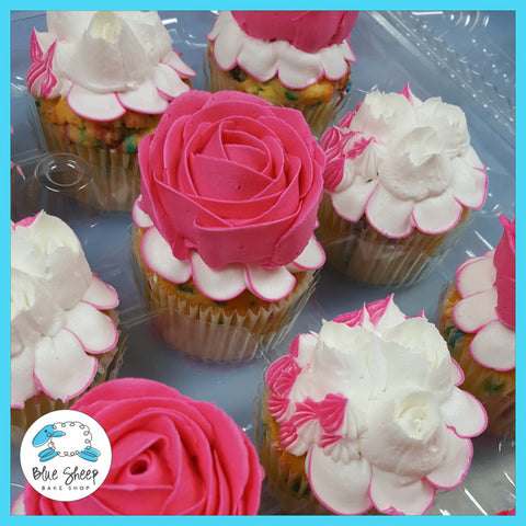 white and pink rose cupcakes
