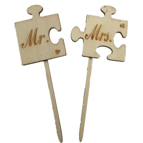 2pcs Mr & Mrs Wooden Cake Topper Sticks Wedding Cake Photo Props