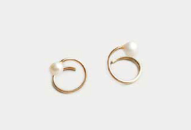 swirl pearl earrings