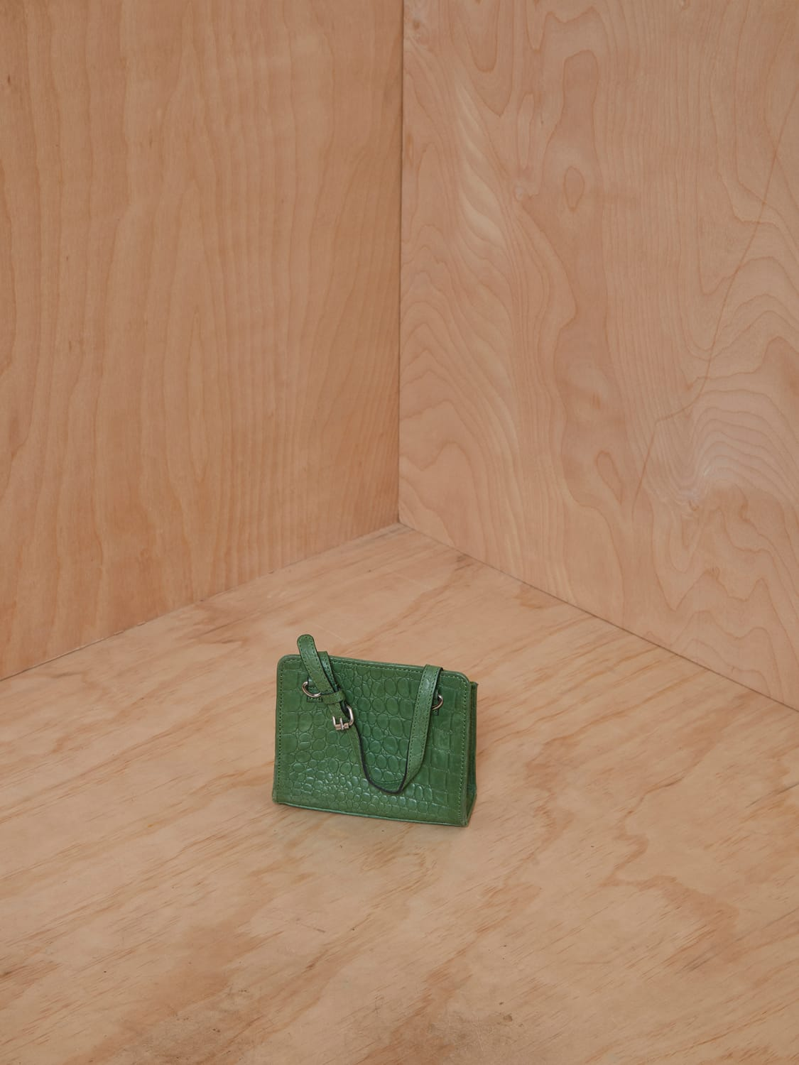 Alfeya Valrina Green Croc Embossed Leather Mini Purse