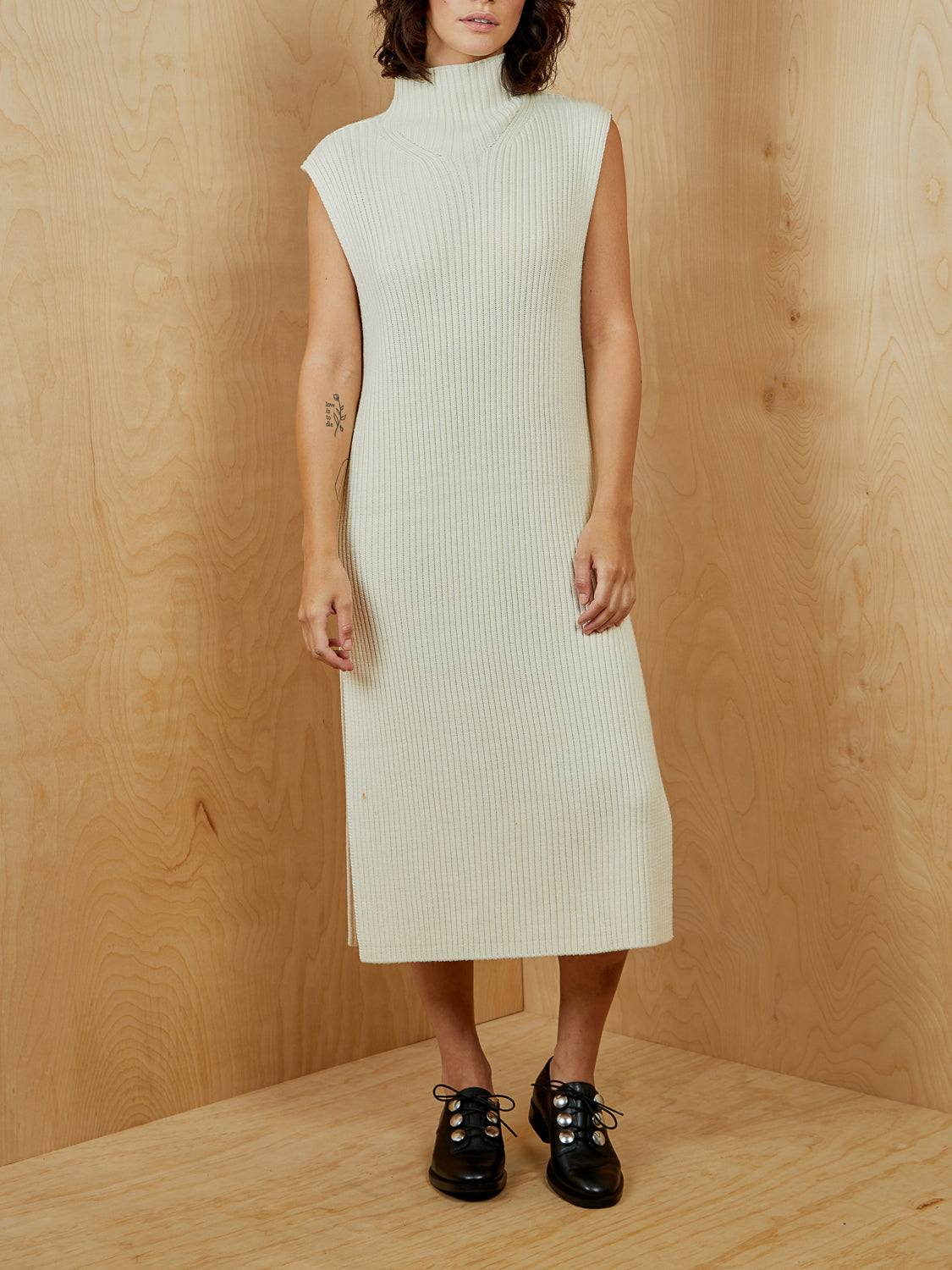 JAC by Jacqueline Cono'r Off White Sleeveless Sweater Dress