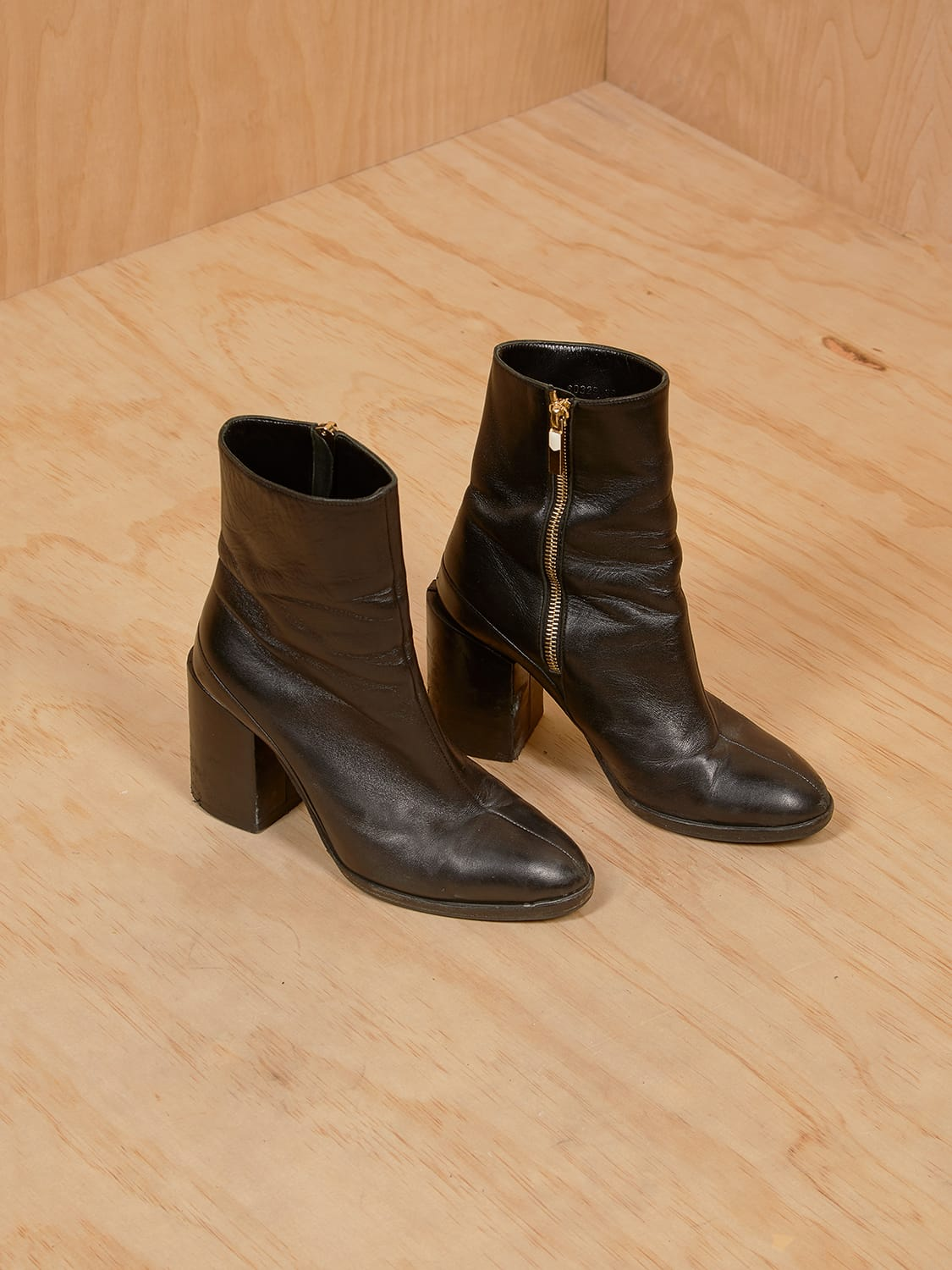 Vero Cucio Black Leather Booties