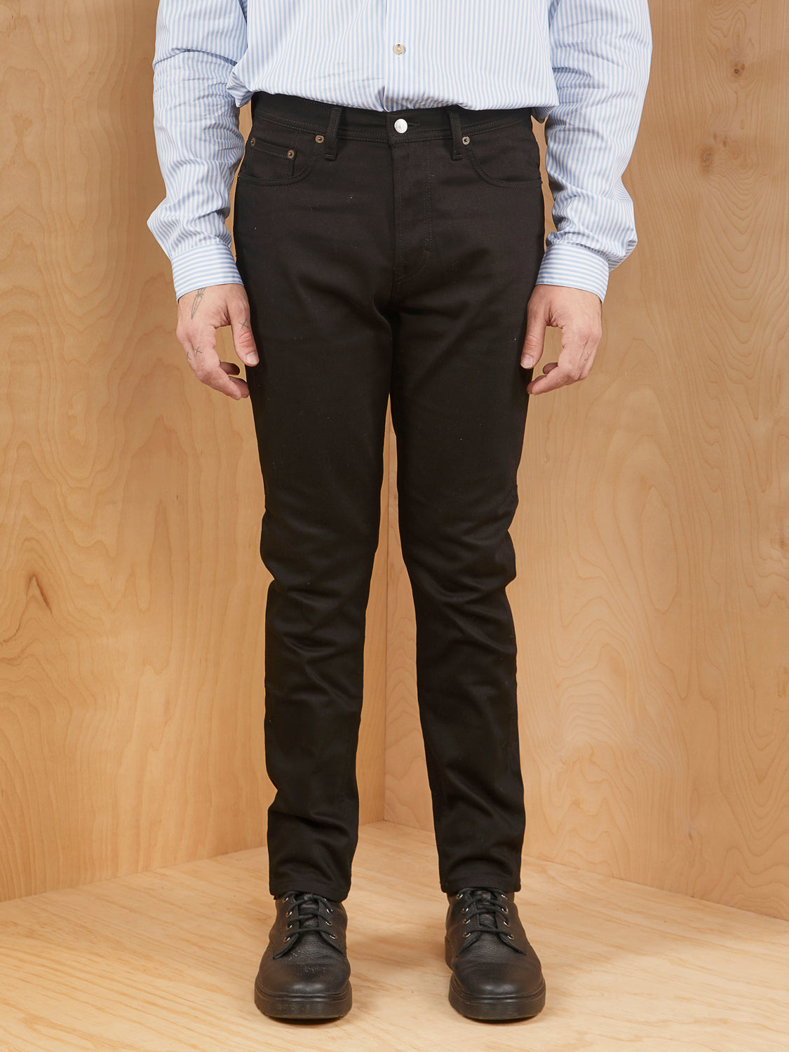 Acne Studios Jeans in River Stay Black