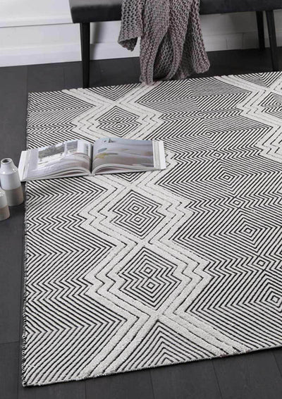 Braided Zair Tribal Diamond Rug Ivory Grey