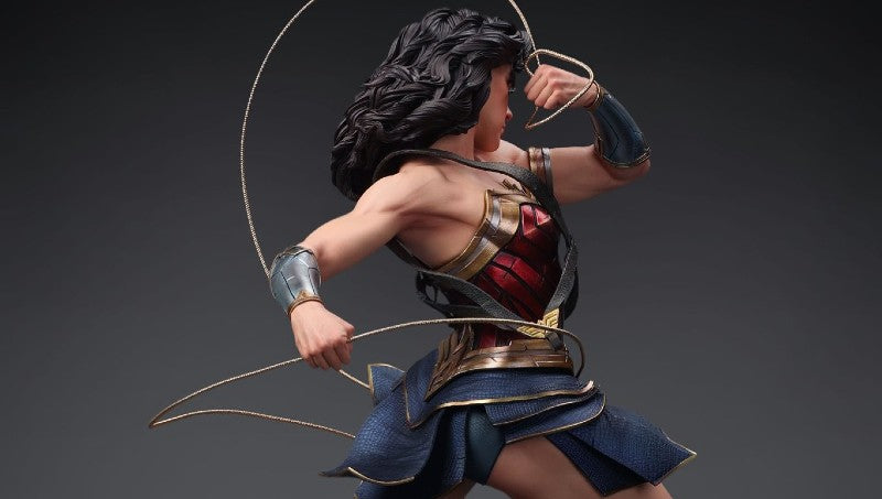The Wonder Woman Statue Pose by Queen Studios
