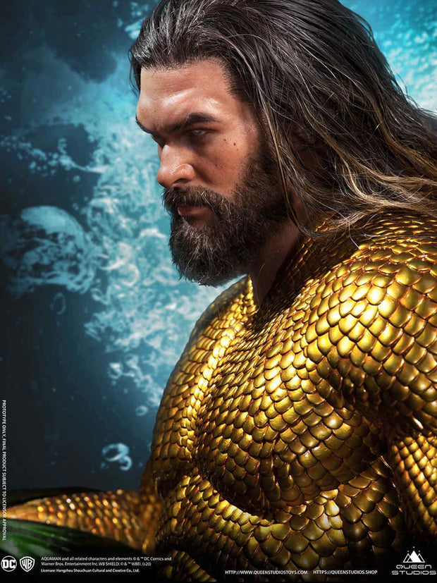Collectible Aquaman Statue By Queen Studios
