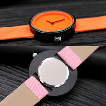 Carica l'immagine nel visualizzatore di Gallery, <B>PLASTIC COLORS</B> | Orologio UNISEX per donna, uomo, ragazza e ragazzo colore <B>ARANCIONE</B> (<I>UNISEX watch for men, woman, girl and boy ORANGE</I>) (Load image into Gallery viewer, <B>PLASTIC COLORS</B> | Orologio UNISEX per donna, uomo, ragazza e ragazzo colore <B>ARANCIONE</B> (<I>UNISEX watch for men, woman, girl and boy ORANGE</I>))