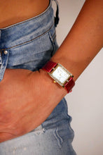 Carica l'immagine nel visualizzatore di Gallery, <B>SQUARE</B> | Orologio donna e ragazza colore <B>ROSSO BORDÒ</B> (<I>Woman and girl watch RED BORDEAUX</I>) (Load image into Gallery viewer, <B>SQUARE</B> | Orologio donna e ragazza colore <B>ROSSO BORDÒ</B> (<I>Woman and girl watch RED BORDEAUX</I>))