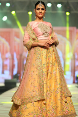 Evening Function Wear Bollywood Lehenga Choli In Yellow Thread Work