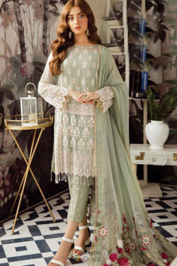Latest Trendy Pakistani Salwar Suit in Embroidered Work