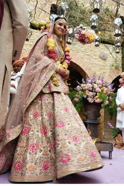 Bridal Ethnic Presents Sabyasachi Bollywood Lehenga Choli of Virushka