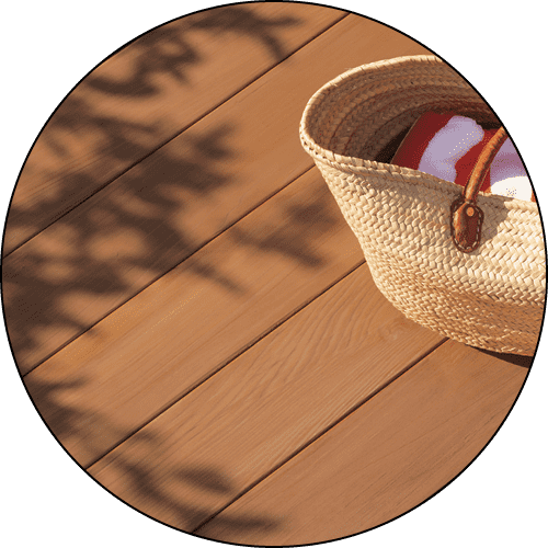 Exterior of a wooden deck with Benjamin Moore Arborcoat.