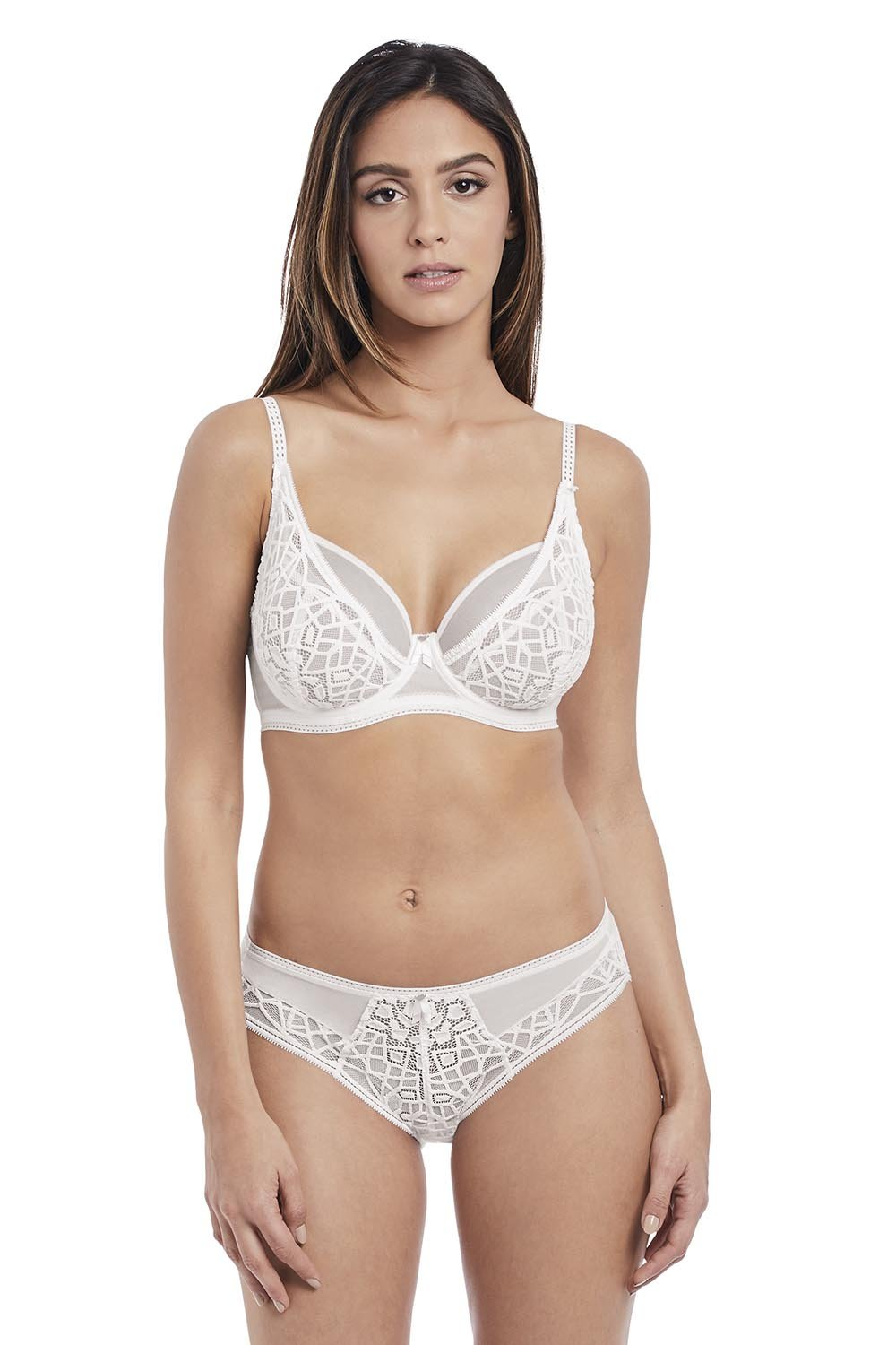Soiree Lace High Apex Bra - Studio Europe