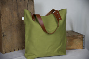 The Daisy Tote - Olive