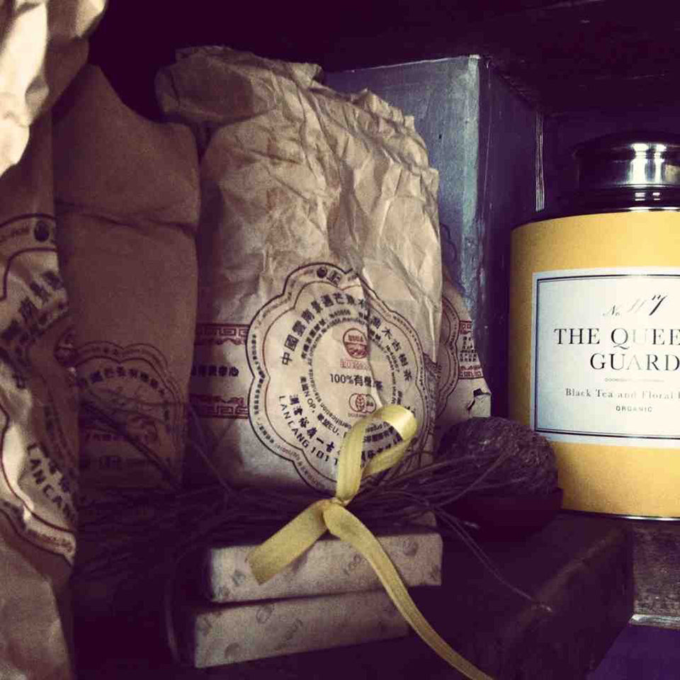 No. 47 The Queen's Guard Black Tea in Yellow Tin