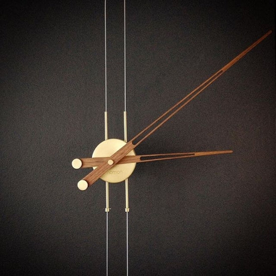 Péndulo Wall Clock (2 Finishes)