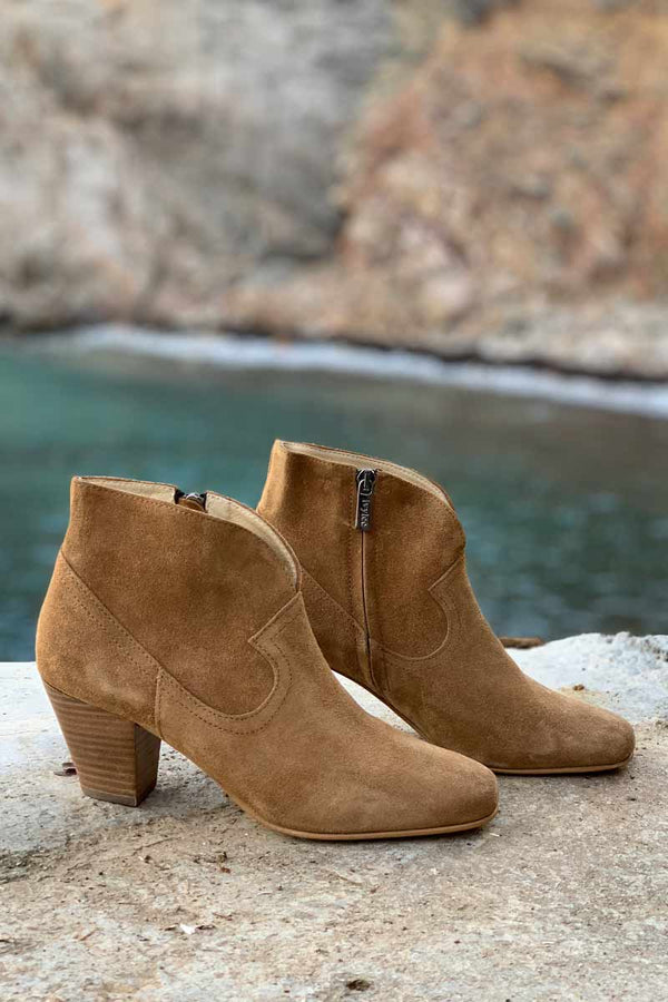 Wilma Boots