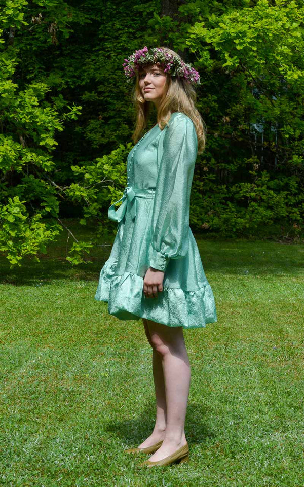 Stine Goya Farrow Blusen Kleid Jade Grün am Model