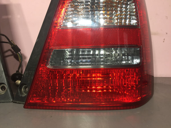 JDM Subaru Forester XT XS X SG5 OEM Tail Lights Lamps Pair Left Right 2003-2005