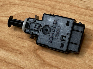 BMW Stop Brake Light Switch E30 E36 BMW PART # 61311382385