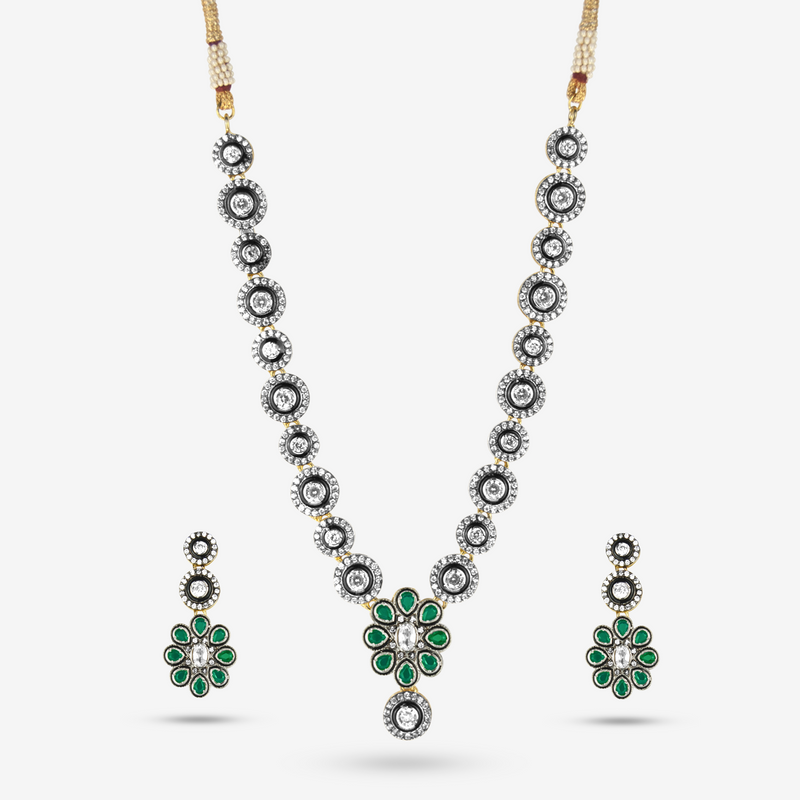 Hema Necklace Set