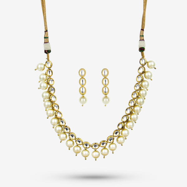 Neha Necklace Set