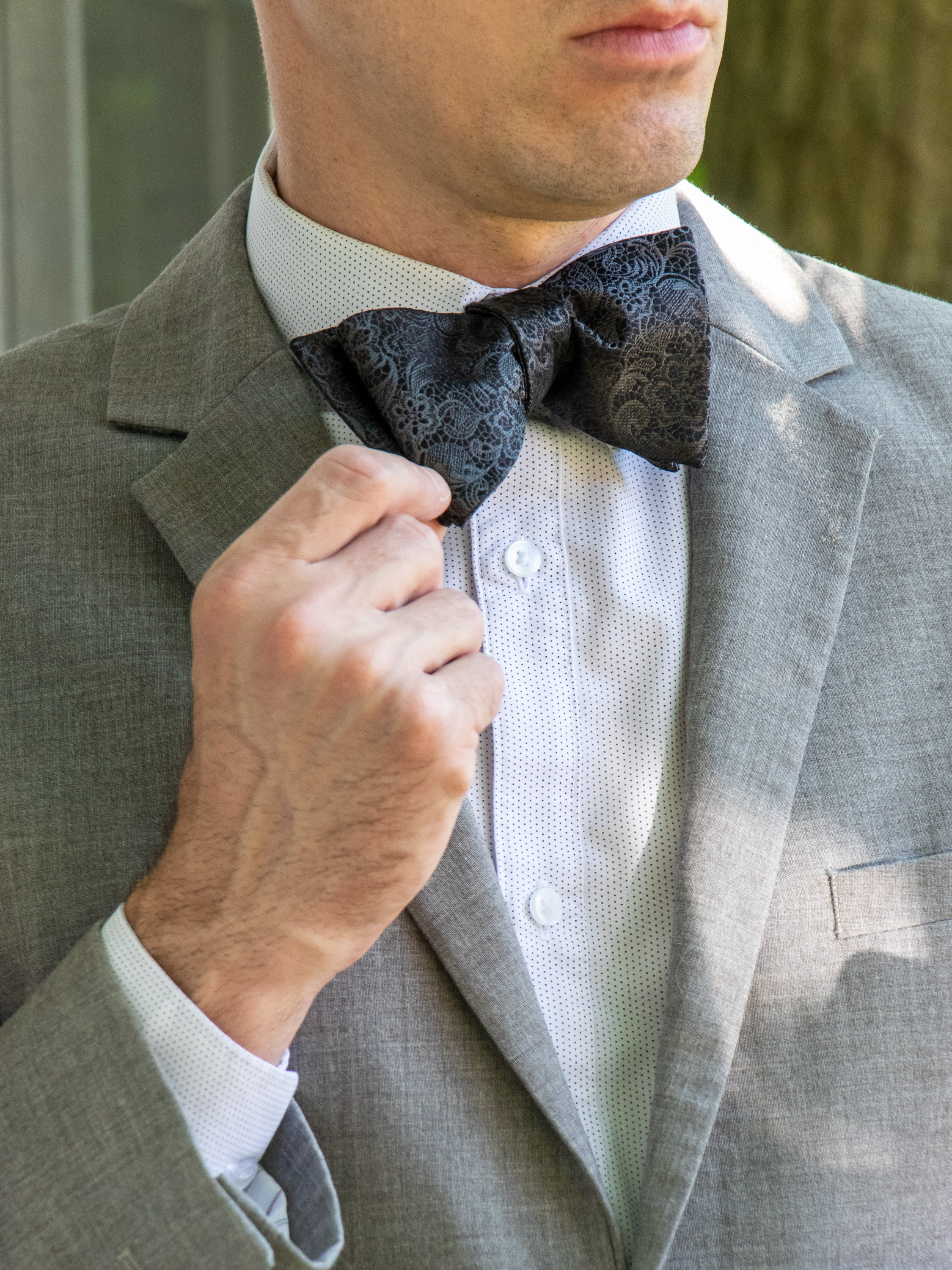 Details about  /New formal poly woven Men/'s Self-tied Bow Tie /& Hankie Set black brown paisley