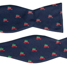 Load image into Gallery viewer, Griswold christmas tree on station wagon bow tie
