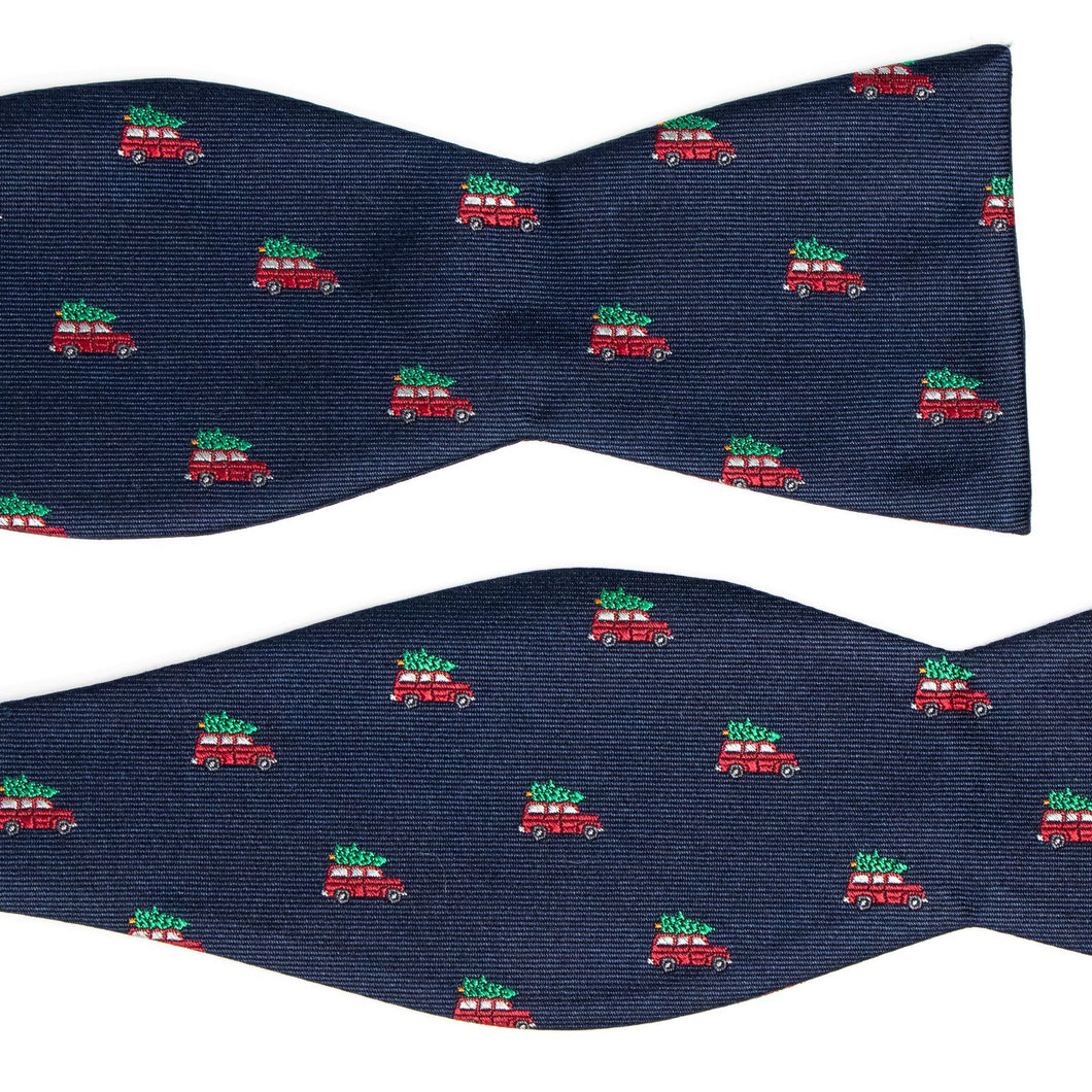 Griswold christmas tree on station wagon bow tie