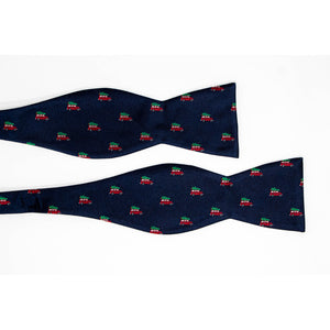 Griswold christmas tree bow tie untied view