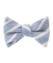 Load image into Gallery viewer, Blue Skies - Blue & White Linen Self-Tie Bow Tie