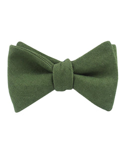 Nature's Harmony - Hunter green linen bow tie - tied view