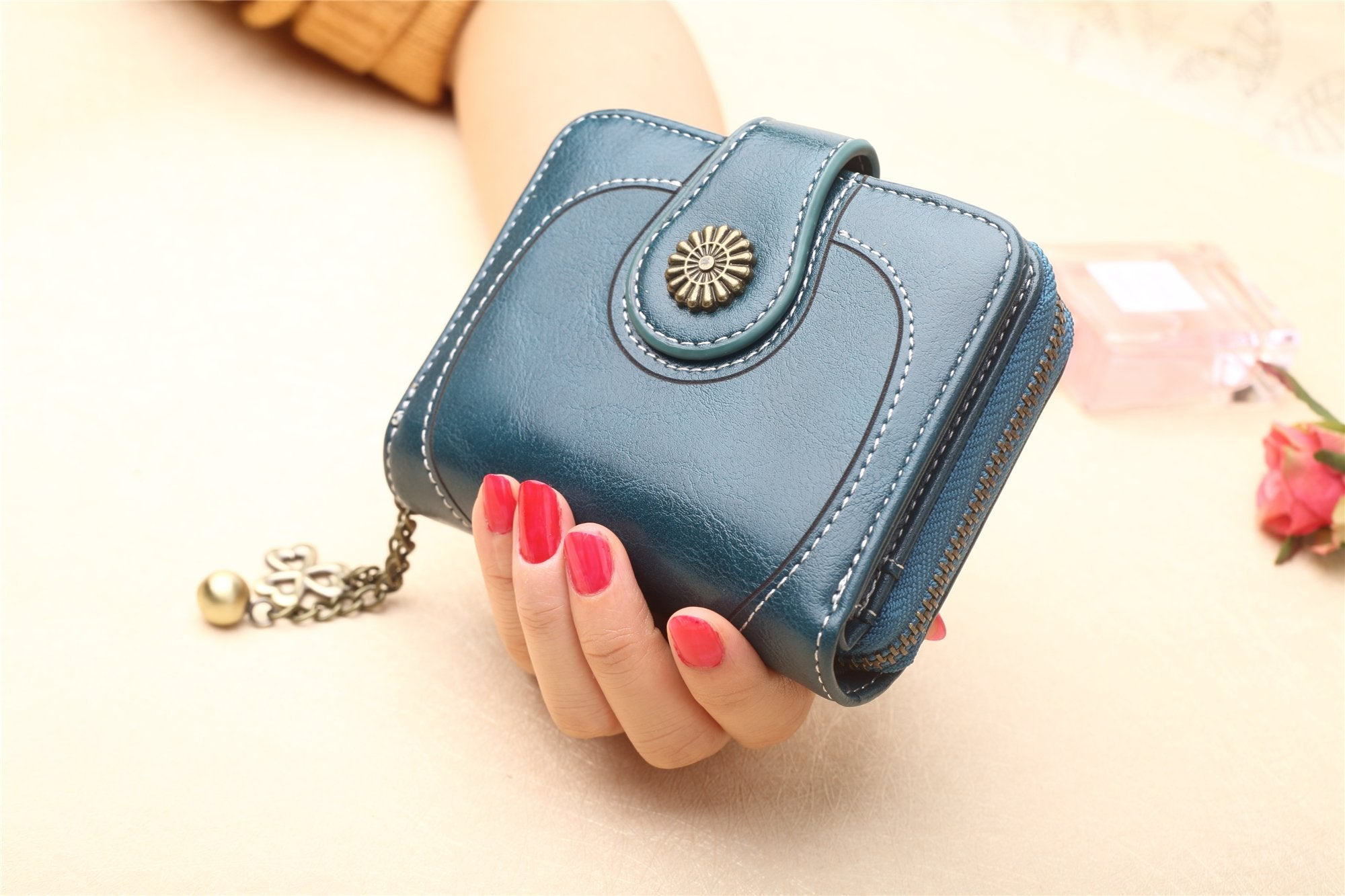Women Oil-Wax PU Leather Short Small Wallet Trifold Purse Card Holder