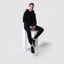 Laden Sie das Bild in den Galerie-Viewer, C2C Tracksuit Unisex