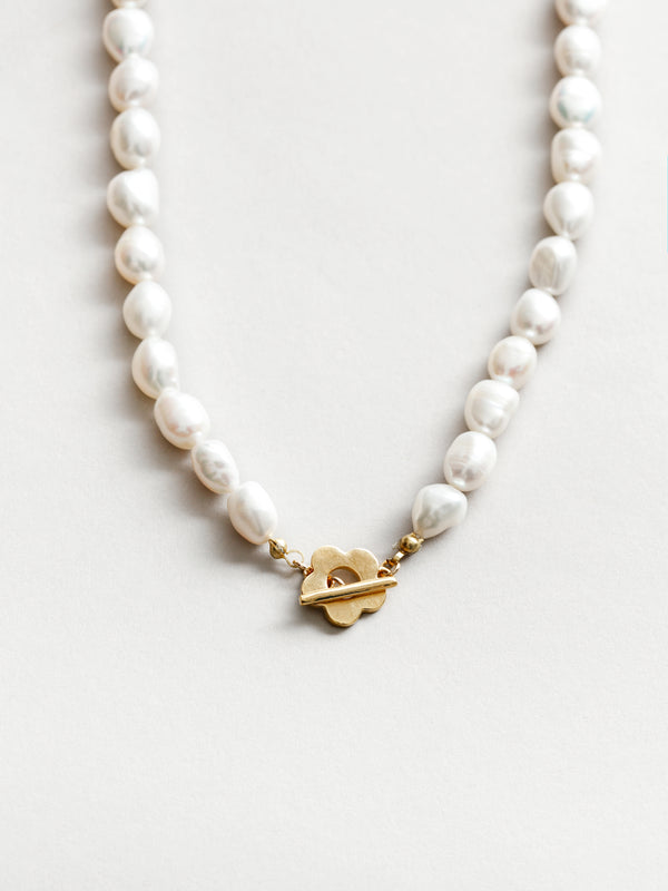 LOLA PEARL NECKLACE