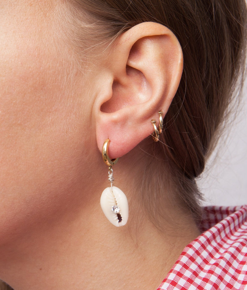 Just A Friend Shell Earring - Nature - Single Piece