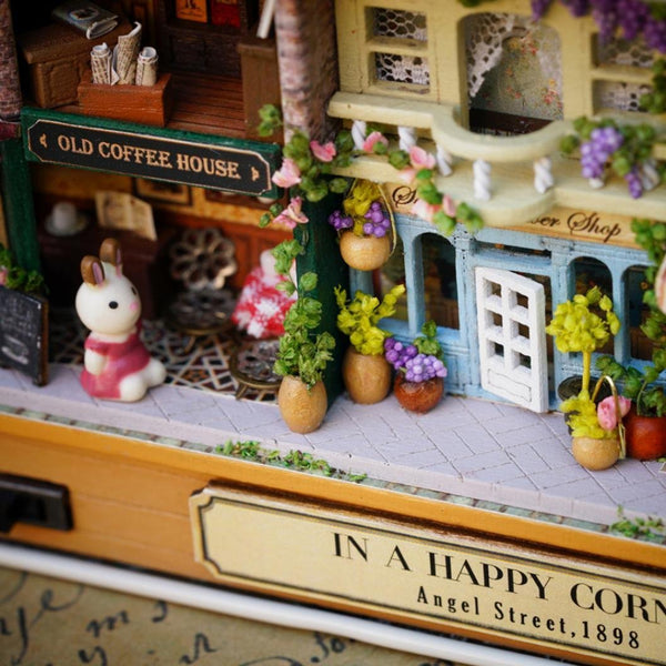 Do It Yourself (DIY) miniature dollhouse box