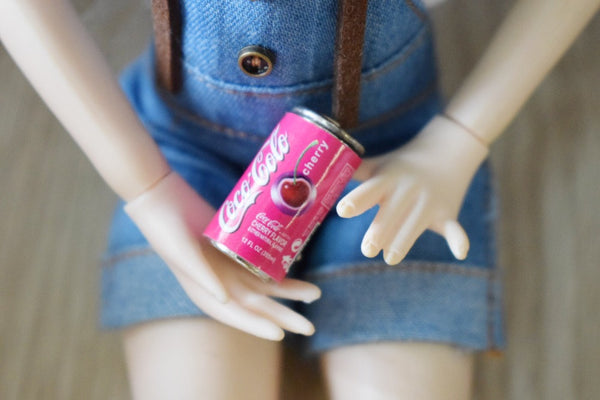 Dollhouse Miniature Coca Cola Cans (6 pcs) 1:12 scale