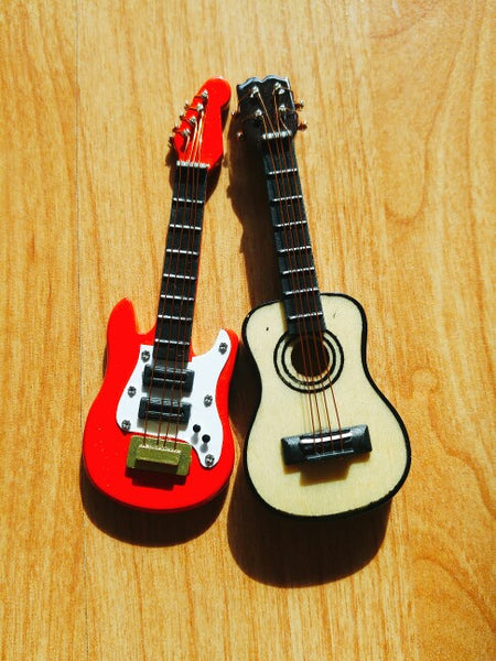 dollhouse miniature guitars