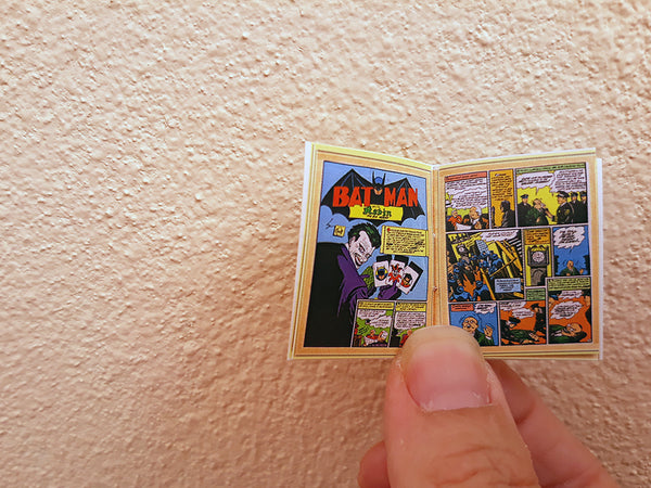 1:6 Dollhouse Miniature Batman Comic