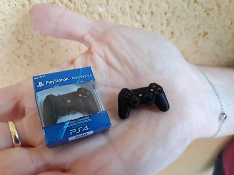 Miniature PS 4 wireless controler