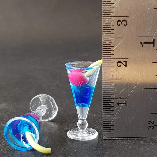 Dollhouse Miniature Blue Hawaii Cocktail 1:12 scale (2 pcs)