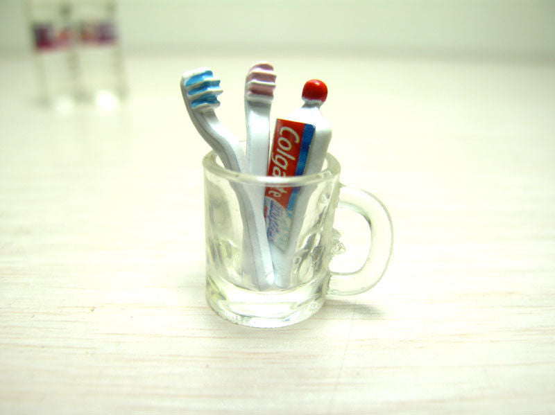 1:12 Dollhouse Miniature Toothbrush, Toothpaste and Cup
