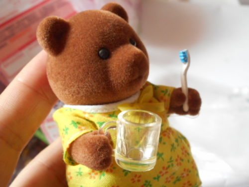Dollhouse Miniature Toothbrush, Toothpaste and Cup 1/12 scale