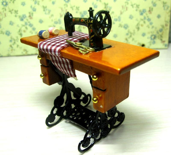 Miniature Wooden Dollhouse Vintage Sewing Machine