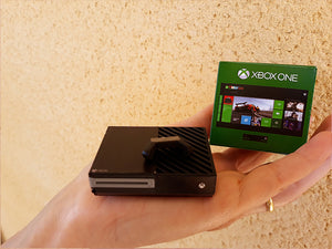 Miniature Xbox One, Controller and Box (1:12 scale)