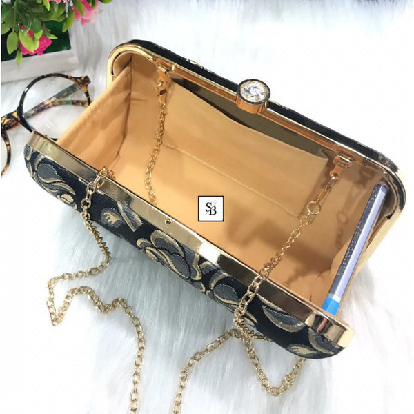 Weeding Clutch With Chain Strap - Black