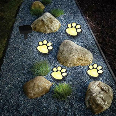 Solar Bear Claw Lawn Light