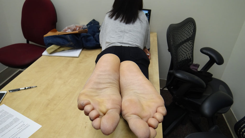 ebony feet soles long toes and soles big stinky beautiful dry feet foot folding curling toes curled toes toe nail foot fetish barefoot young college white pretty feet cum candid pornhub xhamster clips4sale