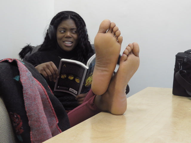 Jakaya Big Long Size 10.5 Candid Ebony Feet Soles Part 1 Video Duration 8:50 minutes 4K Quality